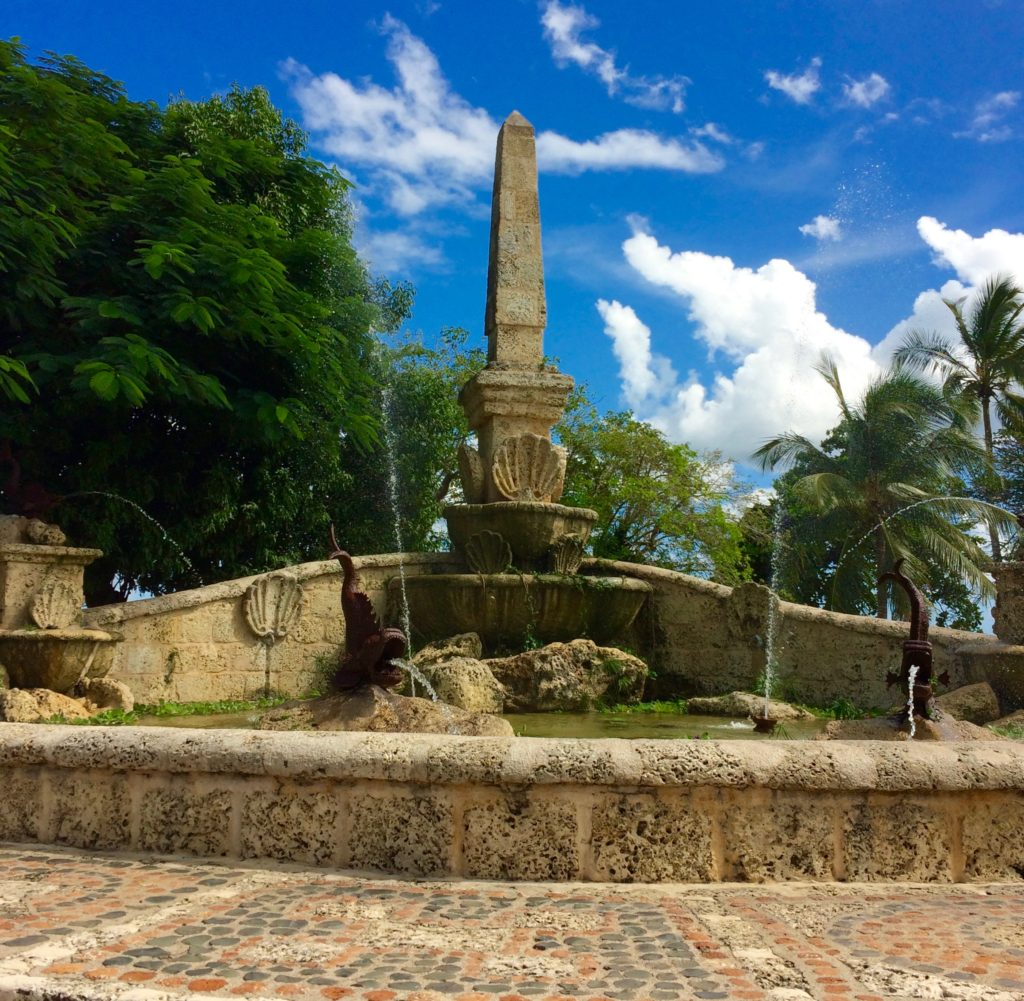 Fountain on promenade overlooking Chavon River